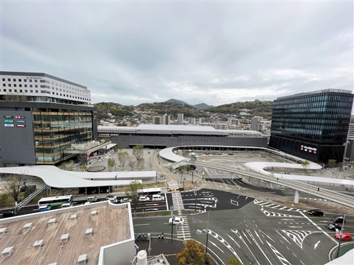陸の玄関口〟完成 熊本駅白川口の駅前広場 広さ1・7倍、災害拠点機能 ...